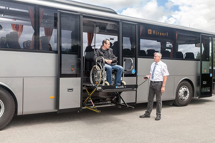Mercedes-Benz Intouro mit Lift und Rollstuhlplätzen barrierefrei